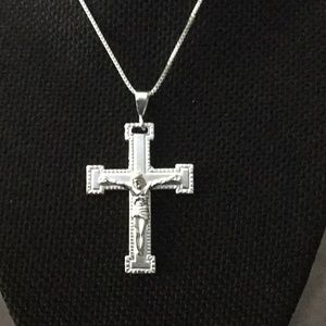 """Jewelry - .925Sterling Silver 16""""Box Necklace With Crucifix"""
